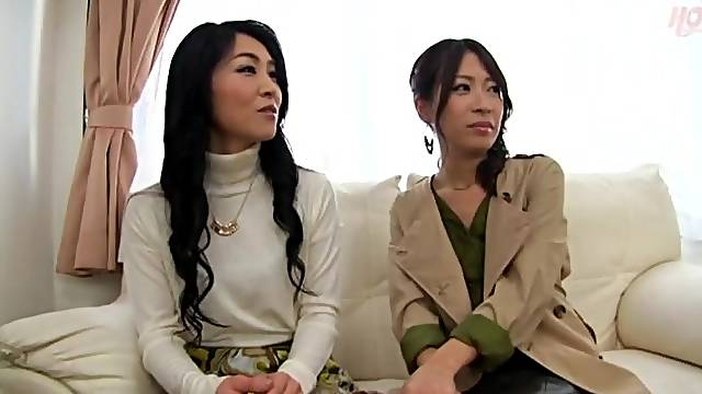 Japanese amateurs get undressed and fingered from behind. HD