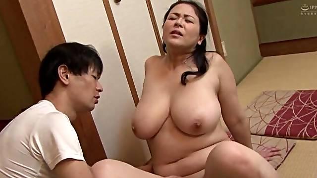 Chubby Japanese chick Hagi Azusa enjoys getting fucked on the floor