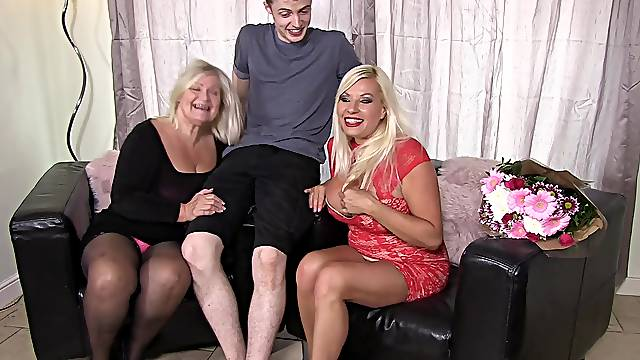 Homemade FFM threesome with busty Michelle Thorne and Lacey Starr