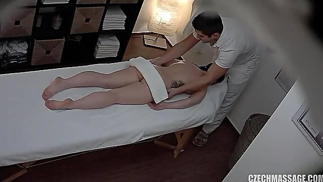 Amateur Porn Darkhaired Gets Twat Massage - Massage
