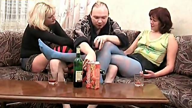 Chubby guy gets naked with two hot girls