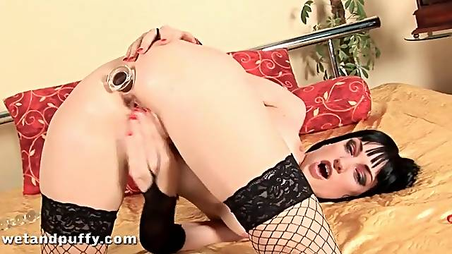Goth hottie in lingerie fucks her favorite toys