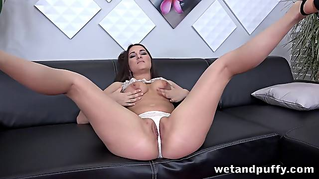 Babe playing with her thong and toying her cunt