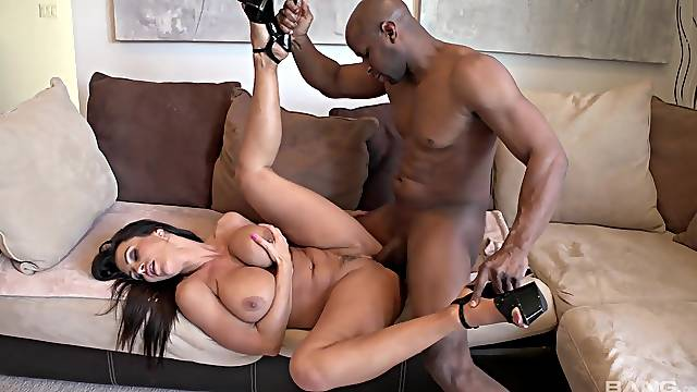 Sexy mature wife loads her premium cunt with a BBC