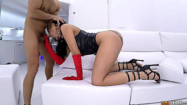 Hot brunette handles the guy's cock in a merciless XXX tryout