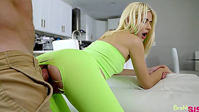 Aroused blonde takes it in a sweet missionary until the last drops