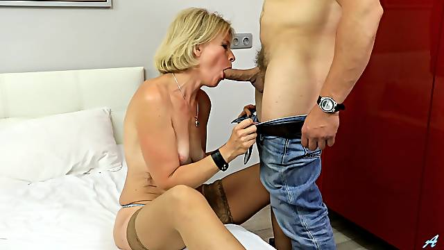 Mommy rides and sucks cock like she's 19 again