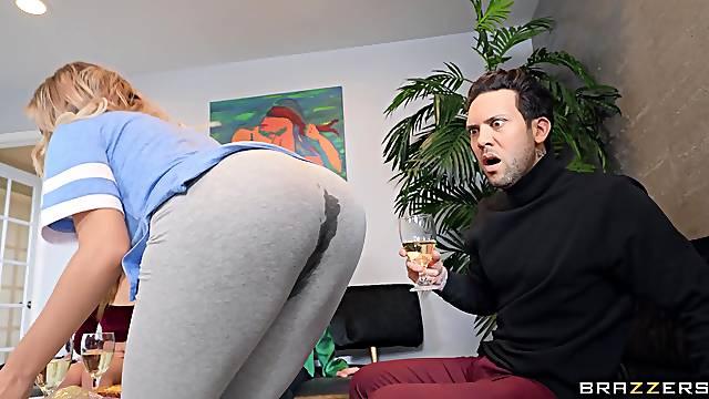 Lad fucks horny stepmom after a nice teaser