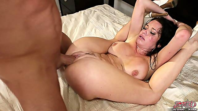 Hardcore fucking on the bed with horny girlfriend Veronica Avluv