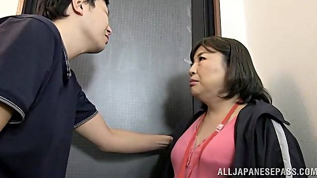 Chubby Japanese chick sucks a stranger's dick and gets fucked