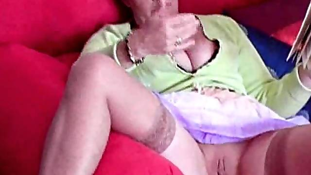 Mature lady shows off her pussy and gets so wet