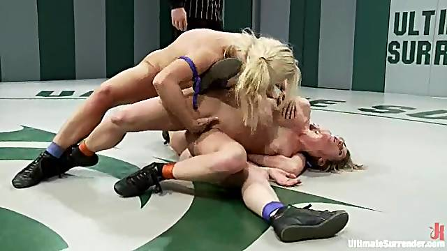 Amazing catfight show ends with wild lesbian sex
