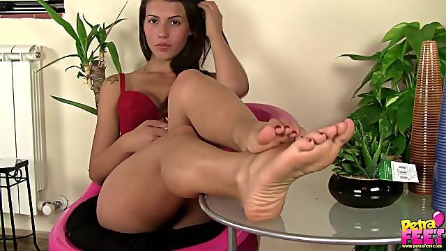 Brunette Italian teen getting her hot feet and legs filmed