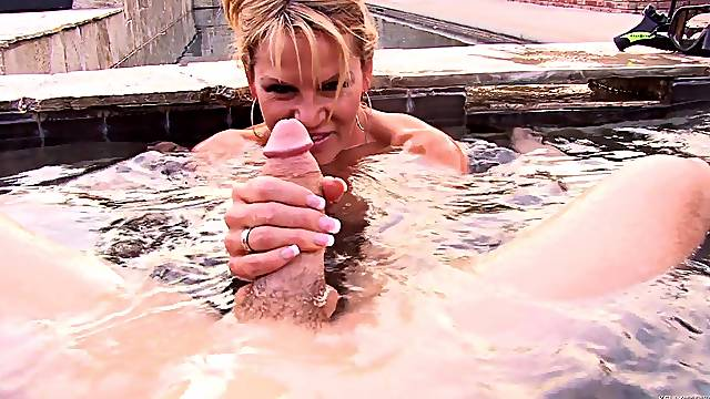 Great sex session in a pool with lovely MILF Kelly Madison
