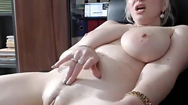 Rubbing And Pleasuring My Sweet Gash