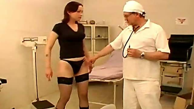 Kinky Chick Gets in the Hottest Gyno Exam