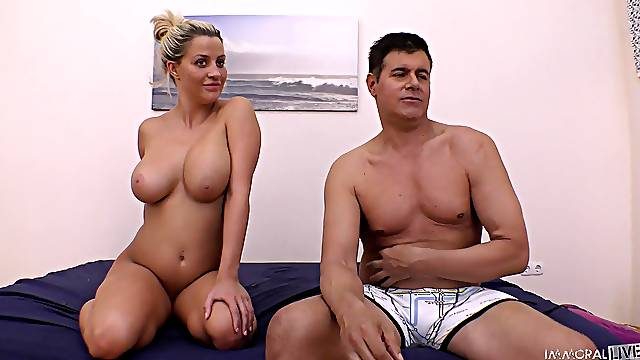 Busty blonde babe Sienna Day craves for a delicious shaft