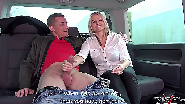 Mature amateur blonde Zaira gets her pussy drilled in a car