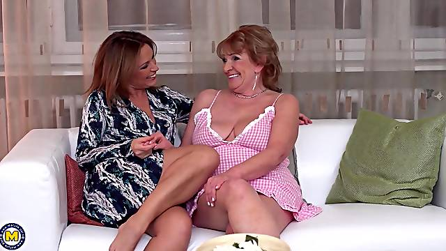 Lesbian threesome with Katalina and two more blonde sluts