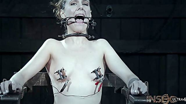 BDSM fetish session for caged slave babe Sierra Cirque