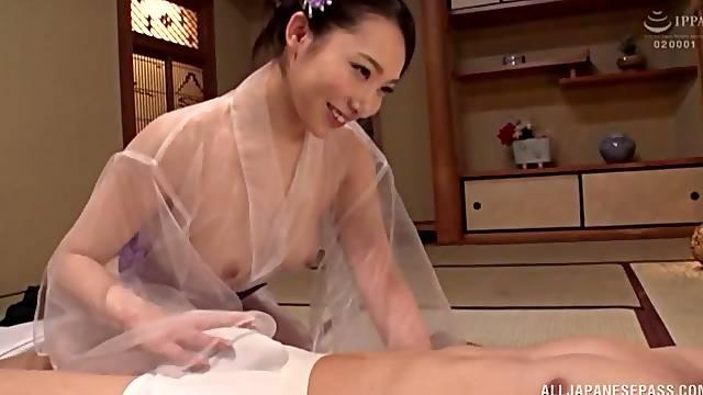 Japanese MILF Kichikawa Ren Sprayed by two loads in a kimono