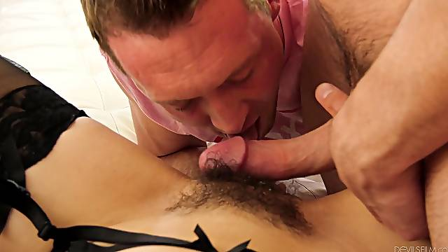 Audrey Noir swaps cum with a dude in a bisexual threesome