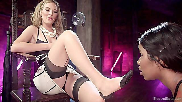 Jenna Foxx and her lesbian friend adore the BDSM and other fetishes
