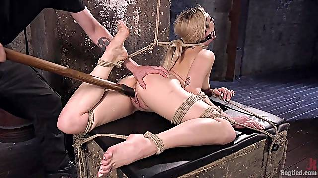Dahlia Sky enjoys friend's sex toys in her wet pussy on the floor
