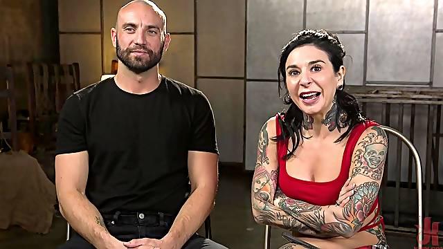 Joanna Angel likes it when a horny dude fucks her tight butt