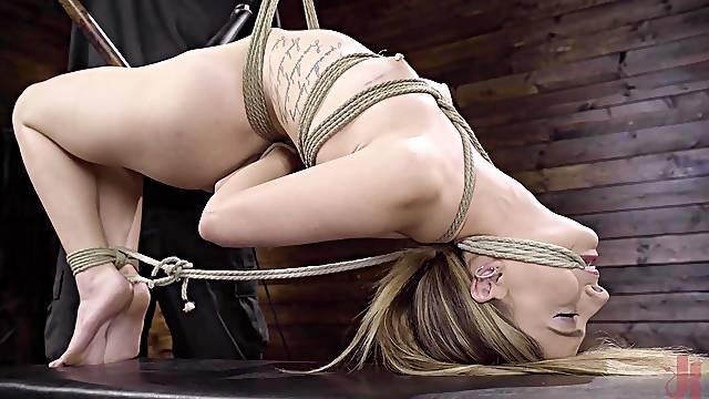 wild chick Kristen Scott enjoys hardcore fuck while she hangs