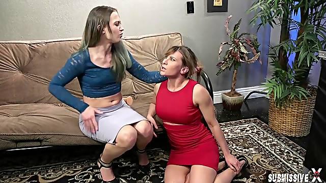 Cheyenne Jewel takes a strapon for a lesbian fuck with Ariel X