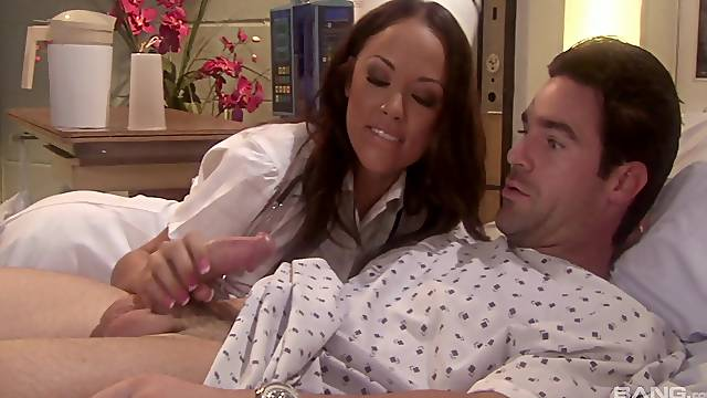 sexy nurse Kristina Rose adores sex and a blowjob in the hospital