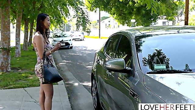Hot Asian Babe Fucks Her Taxi Driver