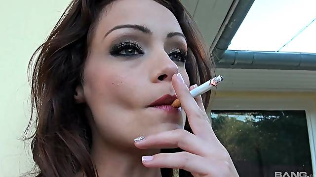 Outdoor blowing is unforgettable experience for lovely Sophie Lynx