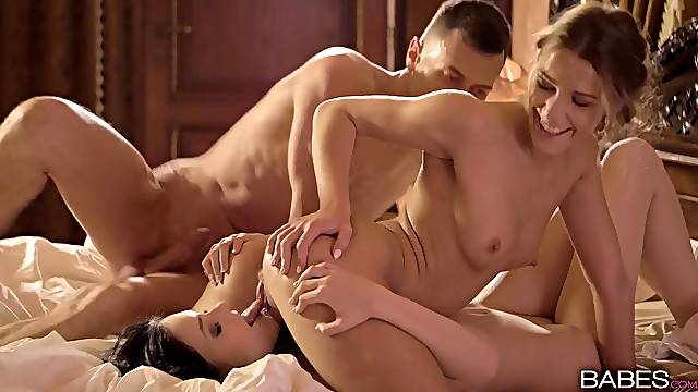 Hot threesome sex with cute girlfriend Alexis Crystal and Anie Darling