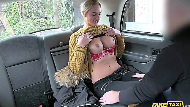 Busty Chelsey Lanette takes cum on her tits after giving a rimjob