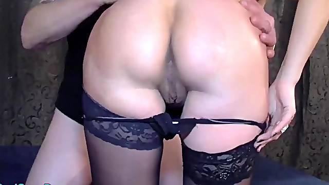 Preggo brunette tries gangbang fuck orgy