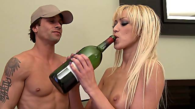 Handsome dude makes Breanne Benson horny and drills her pussy