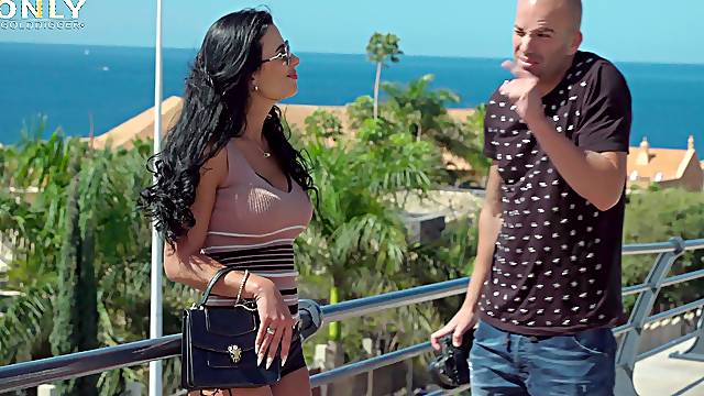 Balls deep pussy drilling by the pool with provocative Shalina Devine