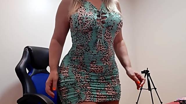 Brazilian MILF undress on webcam