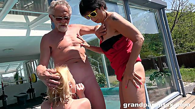 Wild sex party by the pool with couple of mature amateurs