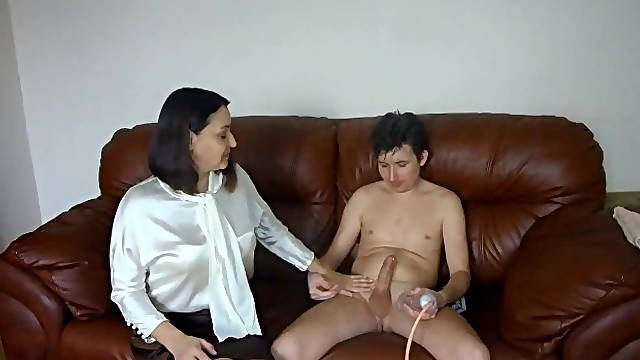 Vacuum pump for big cock and fuck mature in the ass while she talks on the phone