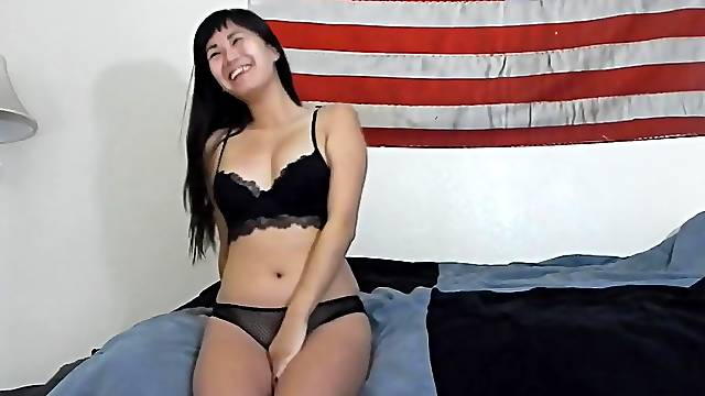 Asian beauty gets her cunt pounded before receiving massive cumshot