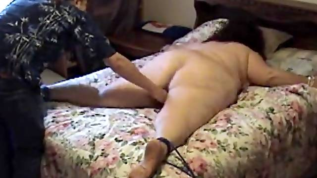 Old BBW tied to bed and tickled