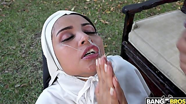 Dirty nun Yudi Pineda takes off her black thong to be fucked