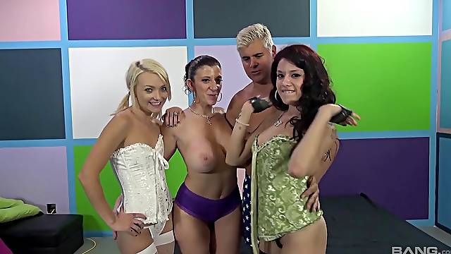 Amazing foursome between one dude and three cock hungry sluts