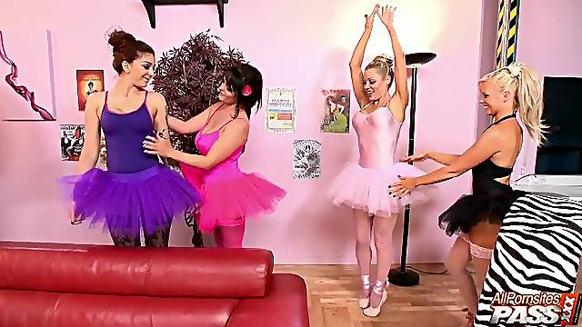 Kinky group sex party with handsome wife Cindy Behr and her friends
