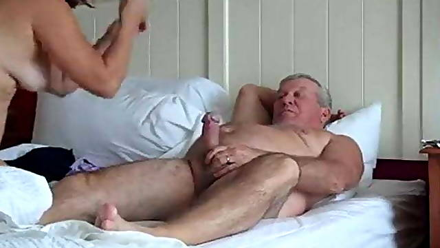 Sexy mature couple 69 at home video