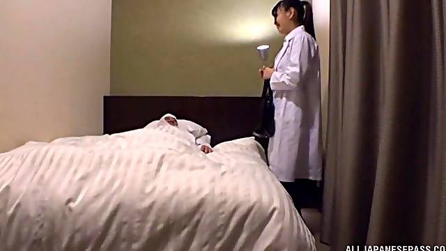 Late night fucking on the bed with a kinky Japanese doctor