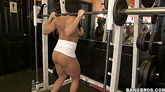 Gorgeous babe Becca Diamond likes to work out naked in the gym